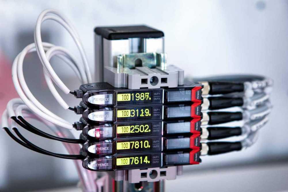 Fibre optic sensor amplifiers,